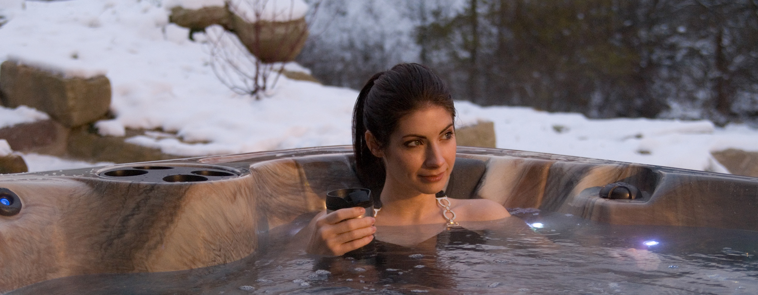 Winter-Backyard-Spa-Relaxation